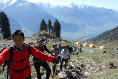 saurkundi-pass-trekking-manali-1
