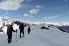 saurkundi-pass-trekking-manali-19